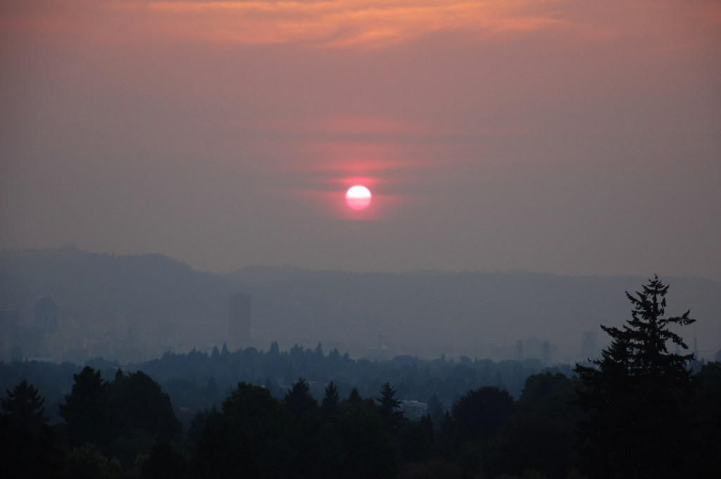 Wildfire sunset at Mt. Tabor, Portland, Oregon | theringers.co