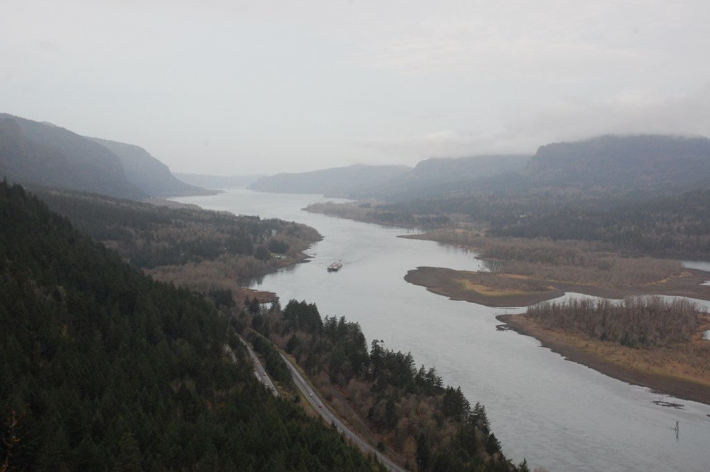 Munra Point, Columbia River Gorge | theringers.co