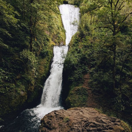 Bridal Veil Falls, Columbia River Gorge | theringers.co