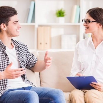Difference Between Individual & Group Therapy-Teen Rehab-River Source