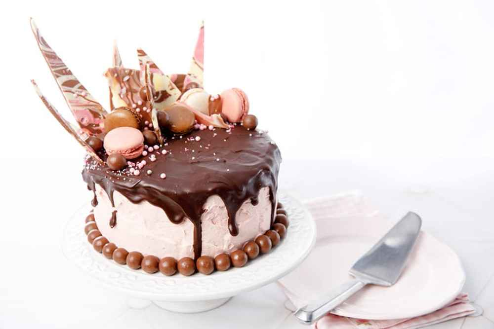 Strawberry & Chocolate Drip Cake
