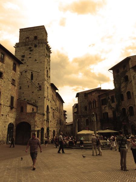 Piazza della Cisterna in San Gimignano, Italy