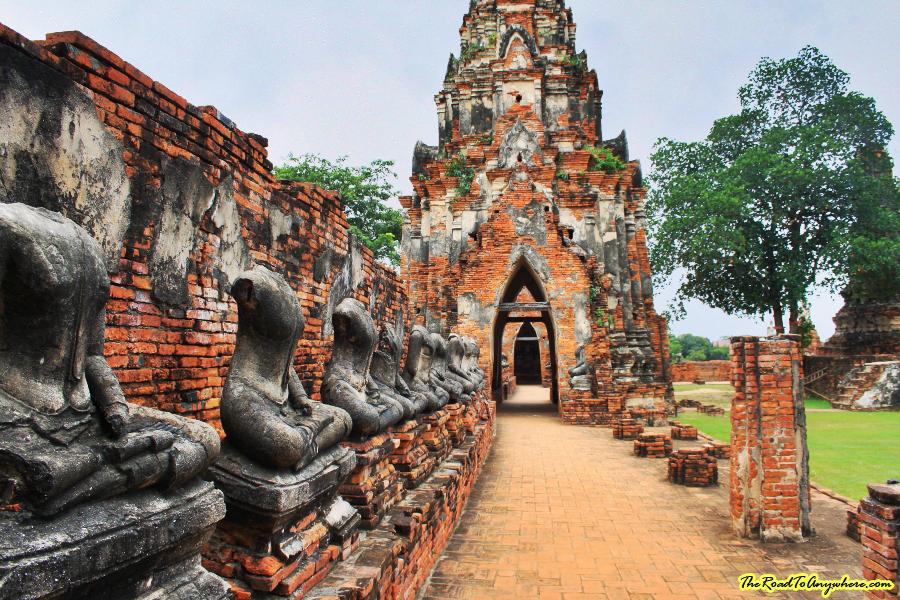 Buddha statues at Wat Chaiwatthanaram in Ayutthaya, Thailand