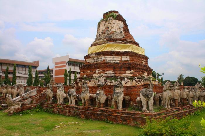Chedi at Wat Thammikarat in Ayutthaya, Thailand