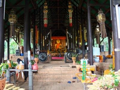 Viharn at Wat Chedi Luang in Chiang Saen, Thailand