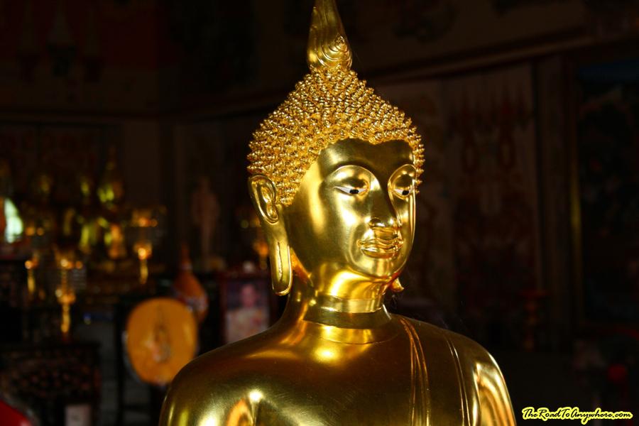 A Buddha statue at Wat Indraviharn in Bangkok, Thailand