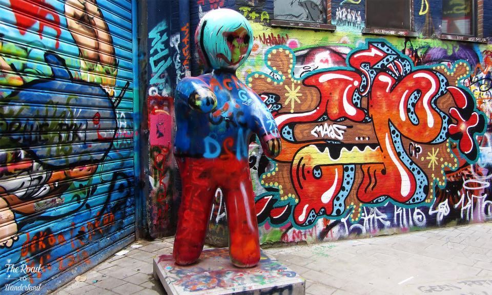 Graffiti man in the alley, Graffiti Street, Ghent