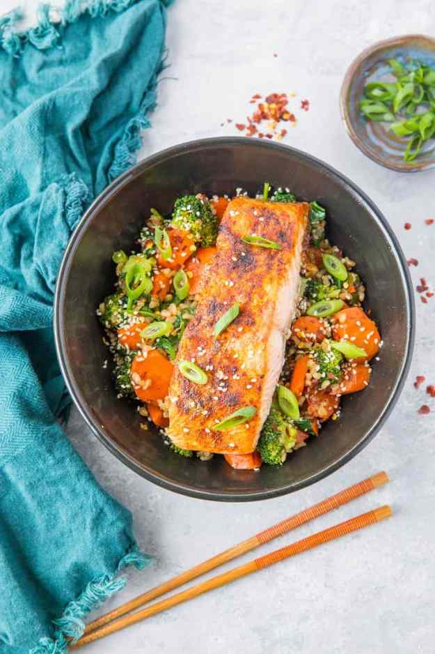 Crispy Paprika Salmon Bowls with Ginger Vegetables and Rice - a well-rounded, clean and filling meal that will nourish your body and soul! | TheRoastedRoot.com #glutenfree