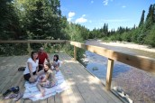 The new salmon viewing lookout in George Hicks park next to Valemount, BC.