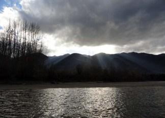 Fraser river raft trip 2014 Valemount Tete Jaune (1)