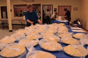 Seniors Housing Society pie making bee (2)