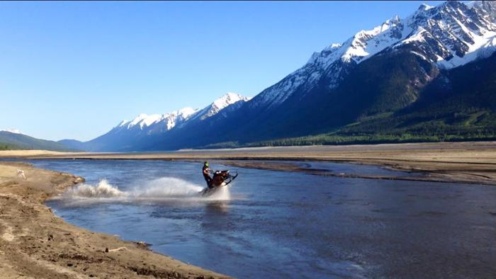 Snowmobiling on water – Kinbasket sledding