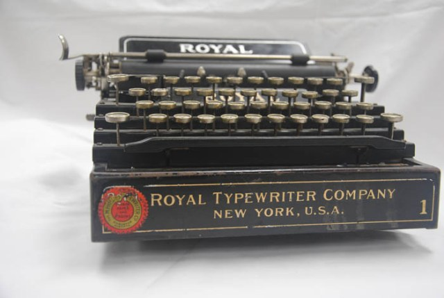 artifact museum typewriter
