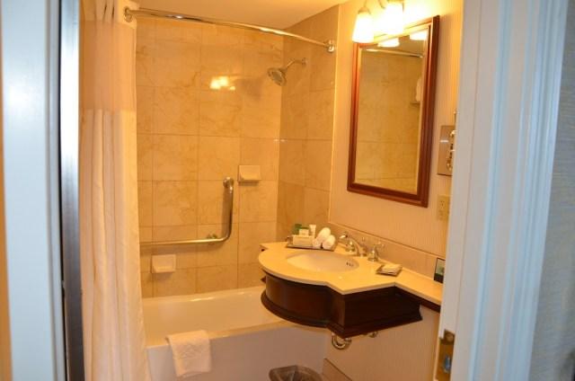 The-Hilton-downtown-Milwaukee-bathroom