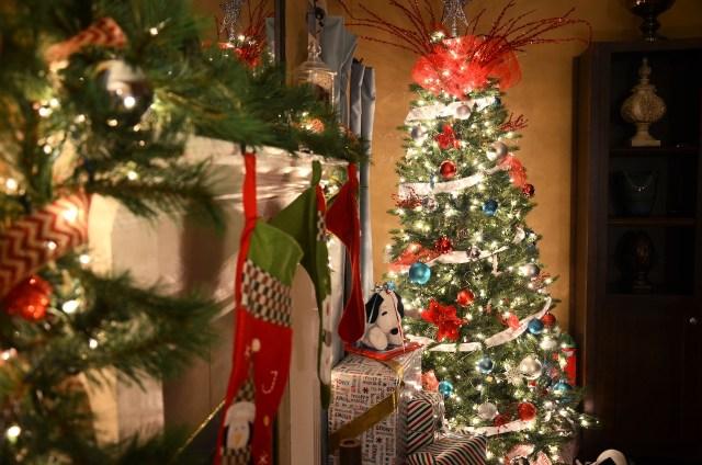 Christmas decor fireplace tree