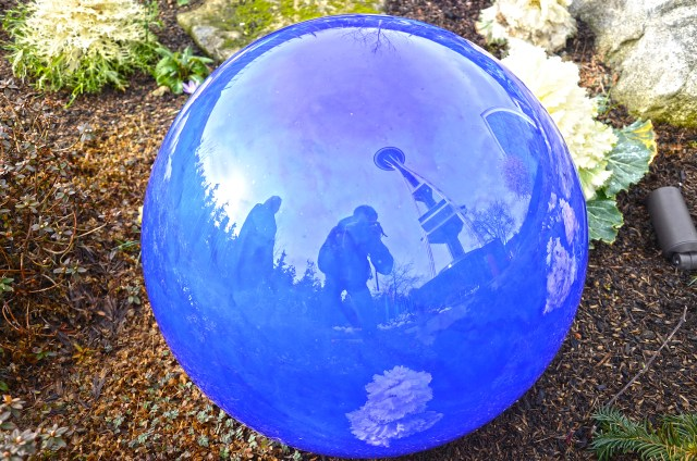 chihuly-garden-and-glass-seattle-21-ball-reflective