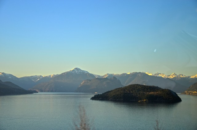 vancouver-bc-canada-mountains