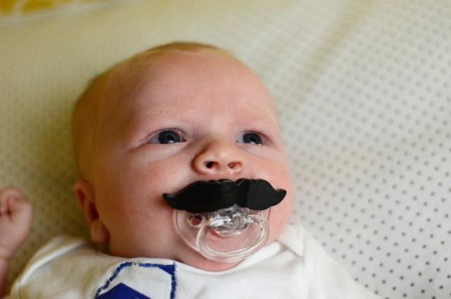 baby-moustache-pacifier