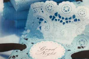 paper-doilies-theroyaltore