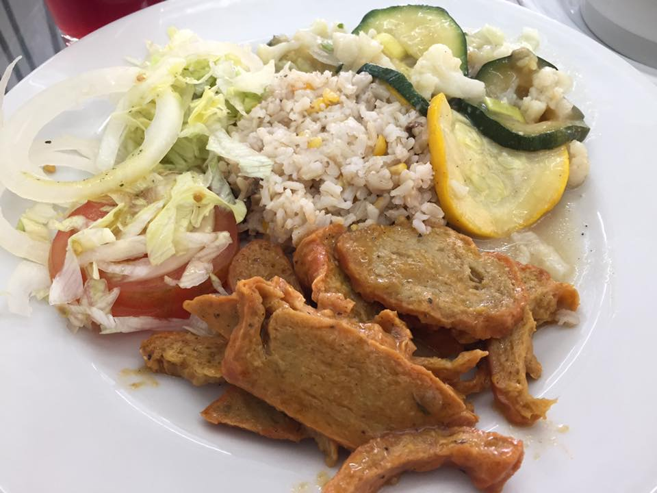 Cartagena Colombia travel tips: Yummy food at Girasoles