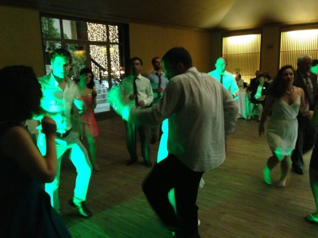 Portuguese Wedding: Party