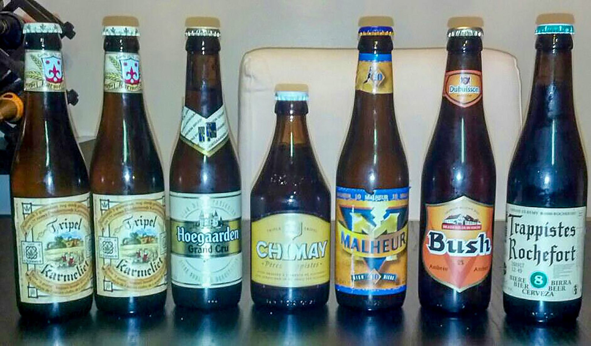 a good couchsurfing guest will bring beer. always!