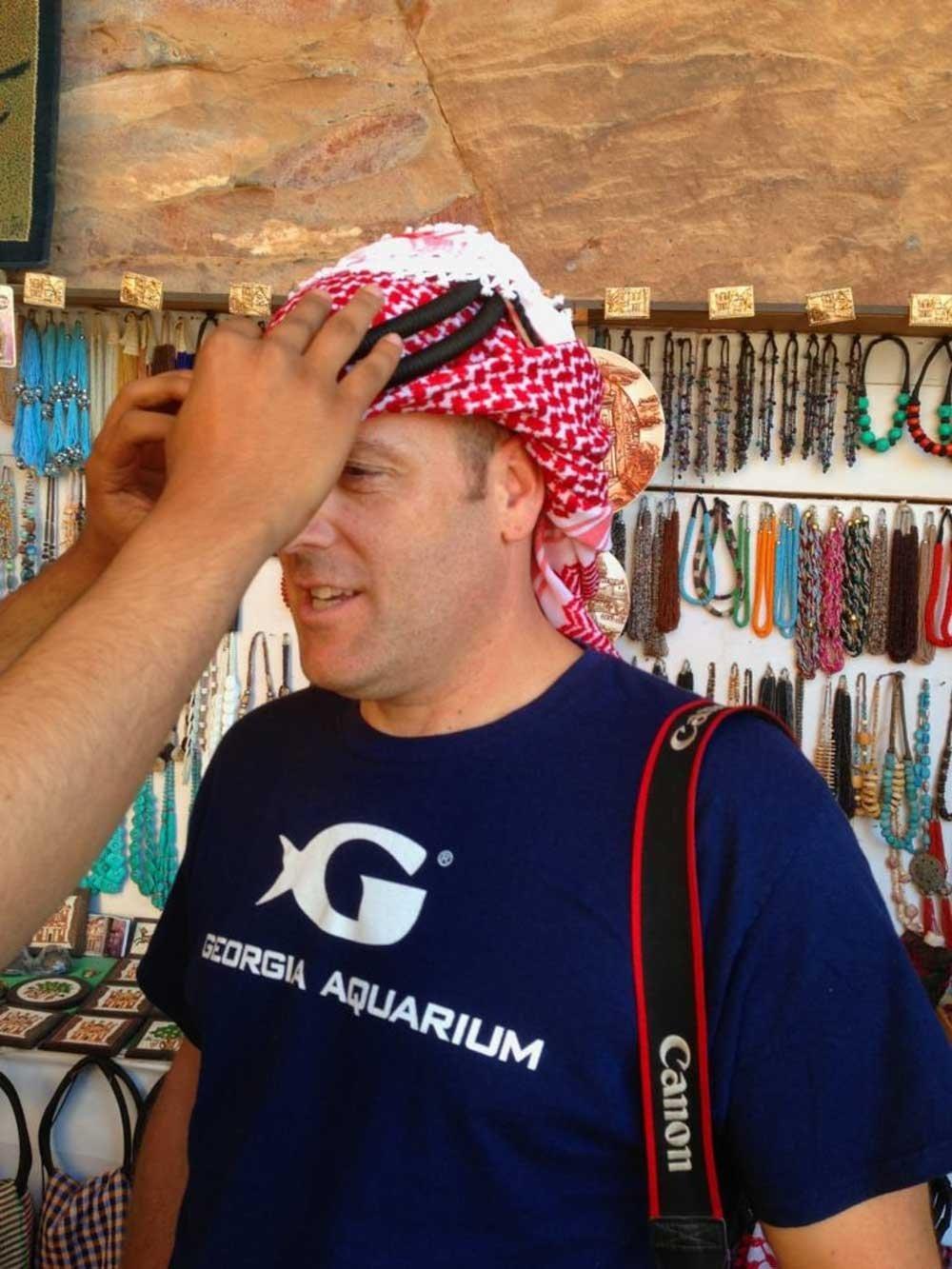 Tips for exploring Petra: Traditional Jordanian head scarf
