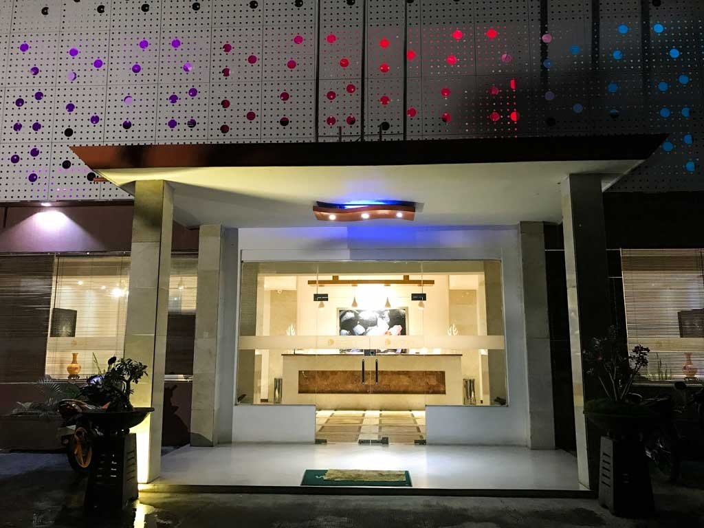 Dili hotel - D'City Hotel main entrance