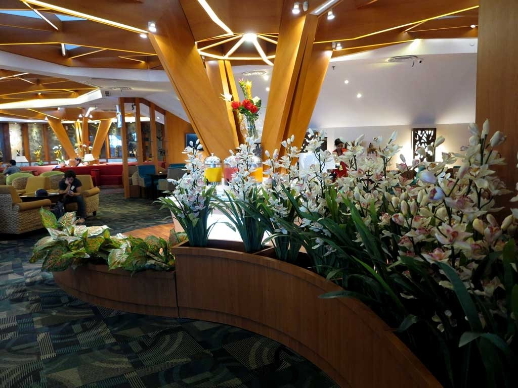 airport lounge access - premier lounge bali
