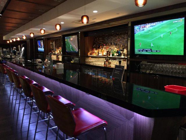 Delta Sky Clubs in Atlanta - Bar