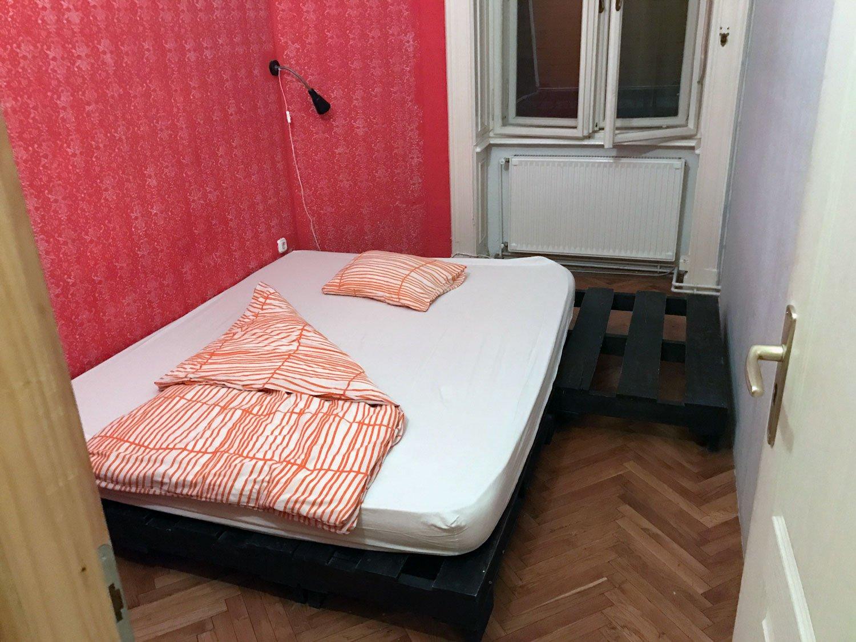 baroque hostel budapest private room