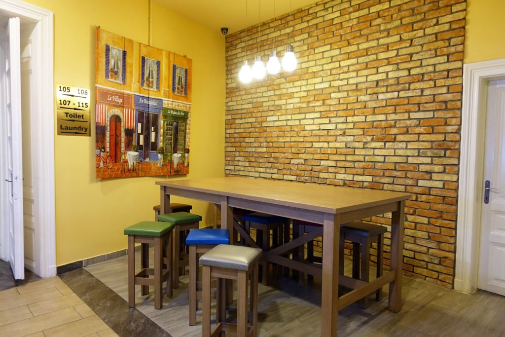 full moon design hostel budapest dining