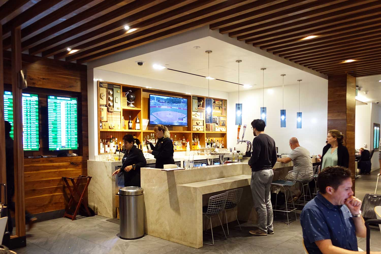 Centurion Lounge SFO bar