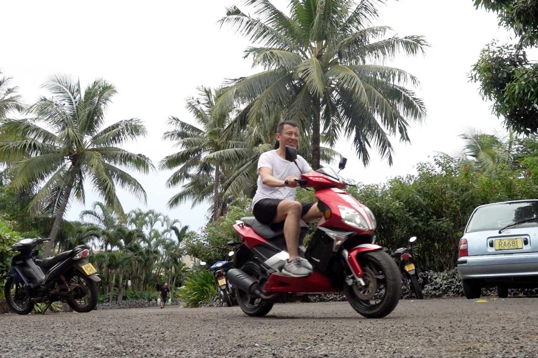 Aitutaki culture scooter