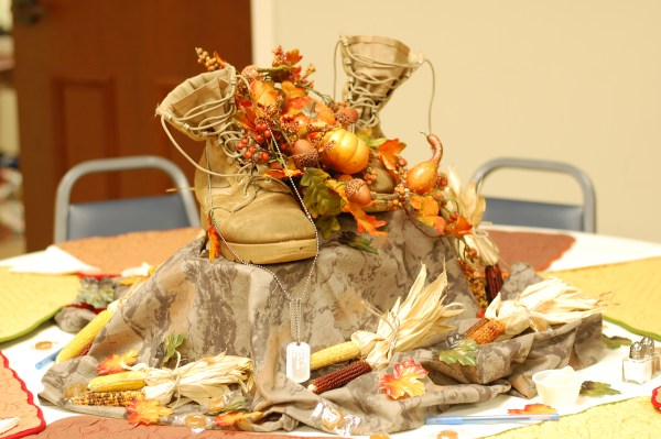 8-ladies-day-shoes-table-decor