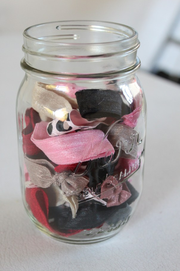 DIY Twistbands in mason jar