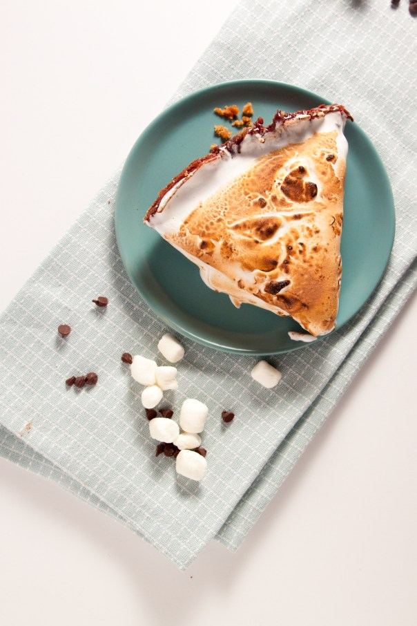 S'mores Pie with Graham Cracker Crust and Marshmallow Fluff Topping