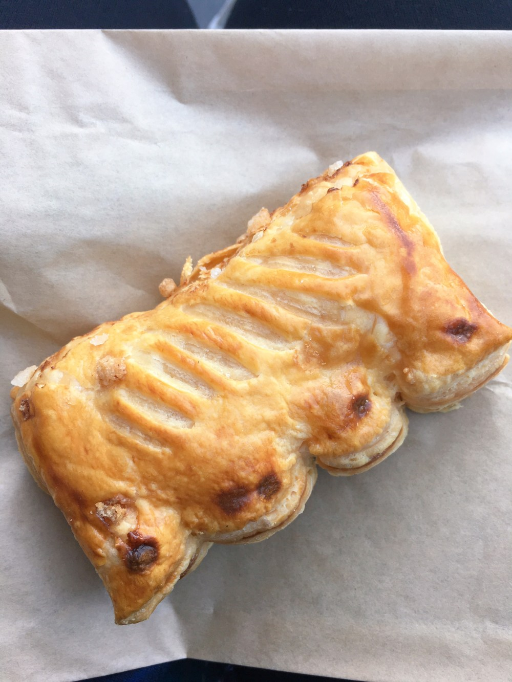 guava & cream cheese pastelito