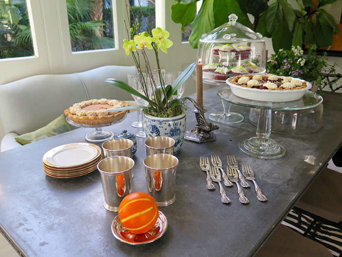 dessert-table-thanksgiving-the-savvier