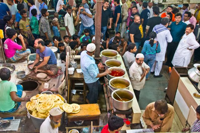 where to eat in new delhi india: Food shop in Old Delhi