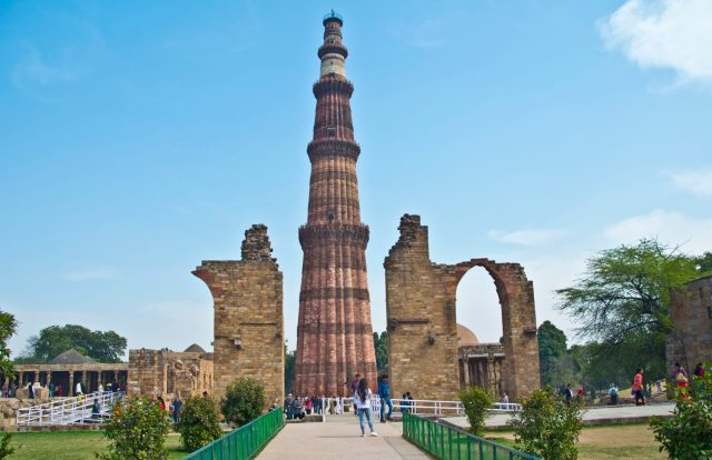Qutab Minar is one of the top new delhi tourist attractions