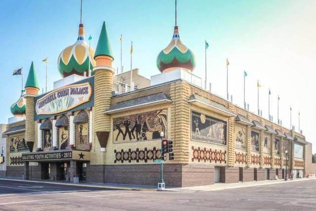 Michell Corn Palace Roadtrips USA