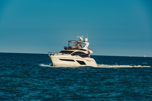 yacht sailing in Lake Michigan
