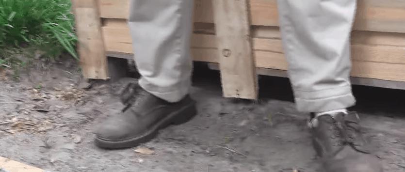 Install pallet wall