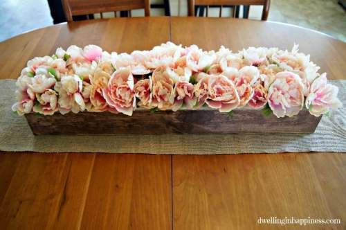 DIY Farmhouse Flower Box