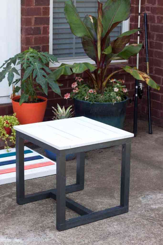 Easy Outdoor End Table