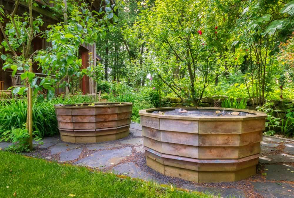 round garden duo
