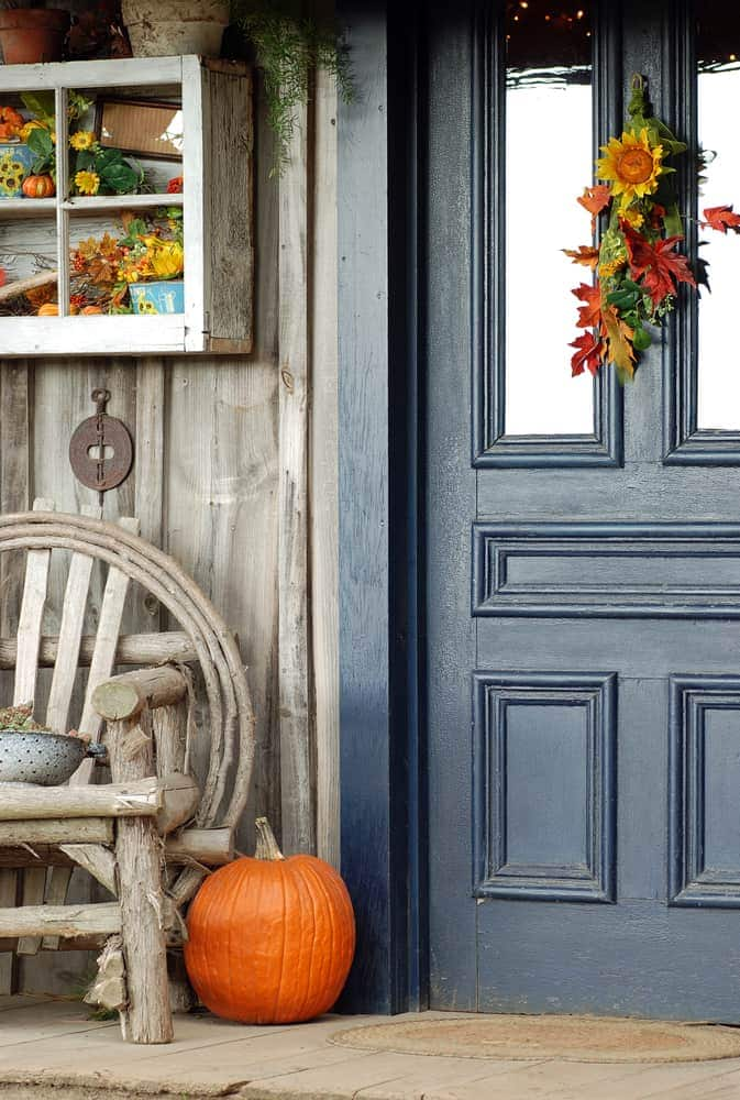 wood details blue door