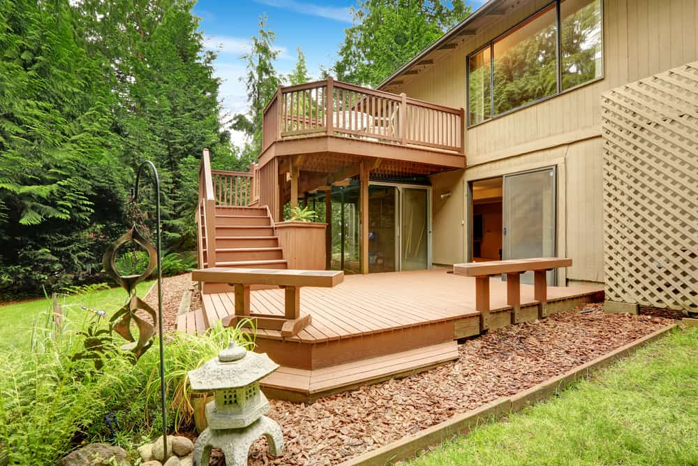 double layered deck with stones