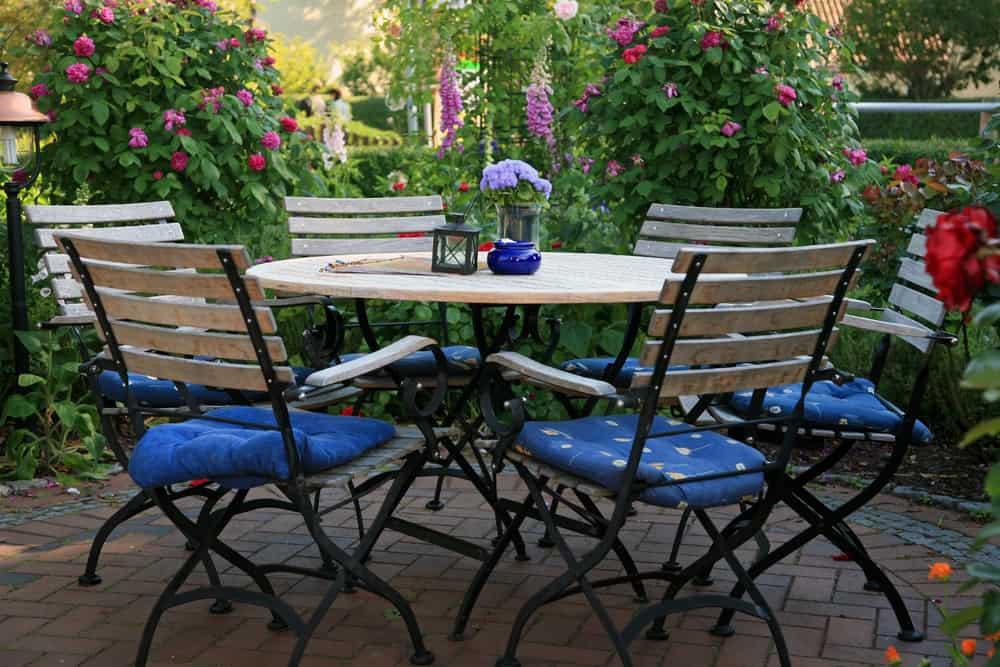 blue white iron seating